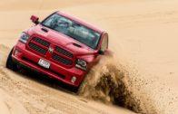 تجربة قيادة صحراوية مع بيكبات رام في دبي
