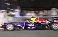 سبيستيان فيتيل يستعرض بسيارة فورمولا 1 في دبي